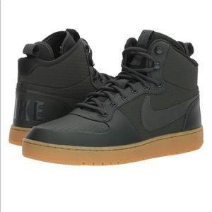 Nike Court Borough Mid Winter Basketball Shoes